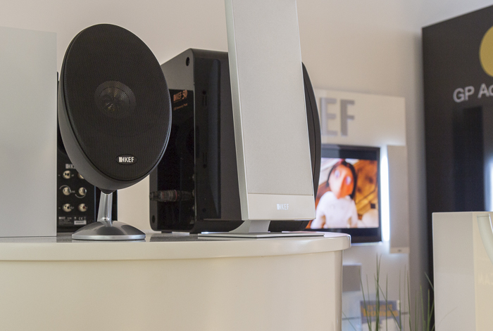 KEF Е305